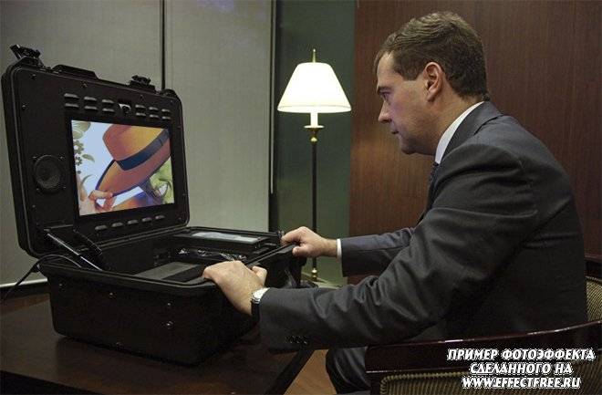Фотоприкол на мониторе компа с Медведевым, сделать фотоэффект онлайн