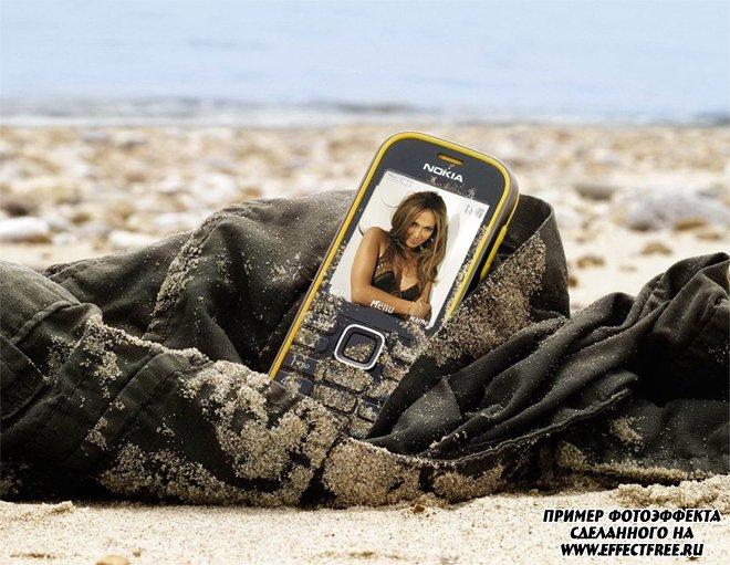 Фотоэффект на экране мобильника на пляже, сделать в онлайн фотошопе